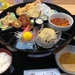 秀亭かねろく - 料理写真:ランチの秀亭弁当1300円(2014.07)
