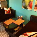 Micasadeco&Cafe - ゆったり寛げるソファー席