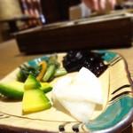 恵亭 - 漬物4種
