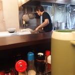 麺屋・千寿 - カウンターから