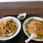鴻運 - ラーメンセット(豚骨台湾ラーメン&中華飯)