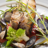 レストラン AKIOKA  - 留萌の骨付きヒラメと天塩しじみブレゼ