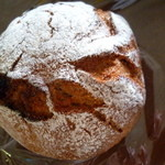 Boulangerie bee - アプリコットとキャラウェイの黒パン