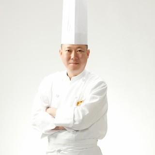 中国料理「香桃(シャンタオ)」料理長和栗邦彦