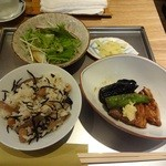 29427117 - ひじきと豆ご飯、揚げ茄子と車麩の吉野煮、サラダ・香の物