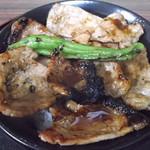 おむすび屋 - 料理写真:豚丼 700円