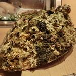 第三春美鮨 - とてもでかい1.9キロの特マタの貝殻
