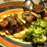 29459691 - 牛肉と野菜のエスペターダ炭火串焼き