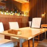 Hanchika - テーブル席(2~4名様)