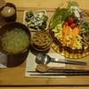 マリキータ - 料理写真:豚肉とネギ塩炒めと玉子そぼろの丼ぶり