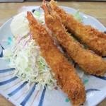 ちとせ - 大きな海老フライが3本