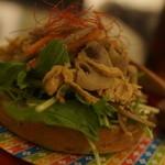 文房具カフェ - 田舎風ベーグル鶏とレンコンキンピラサンド