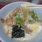 ラーメン屋 - モッチリストレート麺