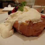 The French Toast Factory - チーズクリームとソルトアイスたっぷり!