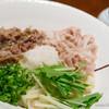 BUZEN - 料理写真:肉うどん(冷) 牛・豚ミックス【2014年7月】