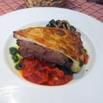 シラノ・ド・ベルジュラック - 羊肩肉のパイ包み焼