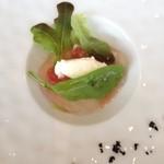 29787969 - 白山麓の無農薬トマトと鯵のサラダ 爽やかなフロマージュブランのクリームと共に