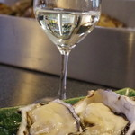 牡蠣屋 - ※日本酒(雨後の月)です