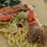 食堂どん - 「特製ちゃんぽん」(1,500円)の貝など