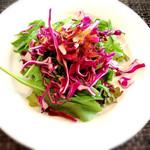グリル葵 - ランチのみずみずしいサラダ!