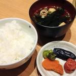 菅乃屋 - 御飯・汁・香の物