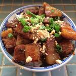 ゴンゴン - フォーセット850円② 豚肉と高菜の甘辛炒め御飯