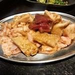 肉まる - ホルモン5(1,470円)