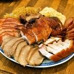 金陵 - 肉の盛り合わせ(小3,200円)什錦拼盤