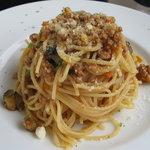SCACCOMATTO - ランチのメインコース(2300円)のラグーソースと茄子のスパゲティ