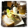 けやき - 料理写真:ドイツビールと手作りベーコンのホットサンド