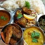 タージ ベンガル - 週末スペシャルセット (土日は週替わりで特別インド料理セットが登場)  インドバスマティライスが選択可(メニューによってはご用意しない週もあり)