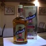 タージ ベンガル - インドウイスキー マクダウエルNo.1