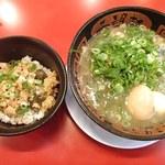 希望軒 - 鶏そぼろ丼セット(とんこつラーメン)