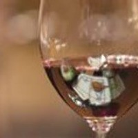 銀座 串かつ凡 - 厳選されたワインと串かつの相性は抜群