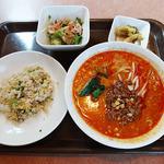 ニイハオ - 麺セット(担々麺・半チャーハン)950円