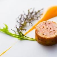 フォアグラのコンフィ奈良漬け巻き 南国フルーツソース
