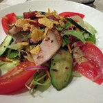 重慶飯店 - 梅肉のドレッシングのサラダ
