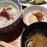 木曽路 - ごはん、お味噌汁、香の物
