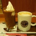 カフェ・ベローチェ - コアフロートとカフェラテ