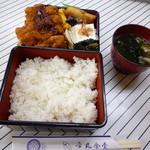 市丸食堂 - 料理写真:かつ弁当850円