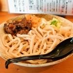 五葵 - 料理写真:冷たいうどん(500円)+肉(馬肉、150円)