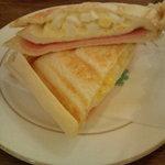喫茶館 英國屋 - ホットサンドイッチ