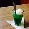 桃乳舎 - ドリンク写真:クリームソーダ