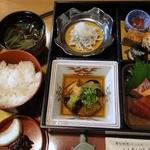 いな川亭 - 料理写真:松花堂<梅> ¥1500(税別)