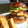 ジャストミート - 料理写真:人気NO1 燻製バーガー