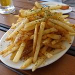 ビアガーデン 久が原キッチン - 人気のアンチョビポテト