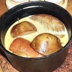 atelier BASEL - 鶏肉と野菜のコトコト煮込み:鶏肉の下は野菜がゴロゴロ