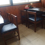 めん福 - テーブル席
