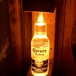 高架五拾七 - 玄関の取手はコロナの瓶