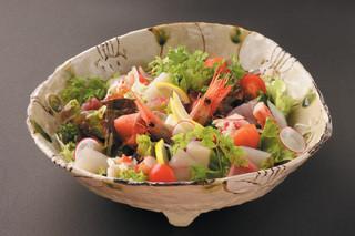 北の魚づくし - 豪快海鮮サラダ